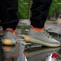 Adidas Yeezy Boost 350 V2 versatile lightweight popcorn midsole casual sports jogging shoes