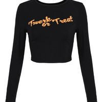 Black Letter Patched Long Sleeve Tight Crop Top