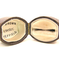 Antique Leather Ring Box, Engagement Ring Presentation Box or Jewelry Display, Wonderful Condition, Late Victorian Era