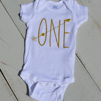 First Birthday Outfit/ Onesuit/ Bodysuit/ I am one/ Headband/ Gold/ Glitter