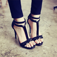 Black Runway Fashio Show T Strappy faux Leather Sandals