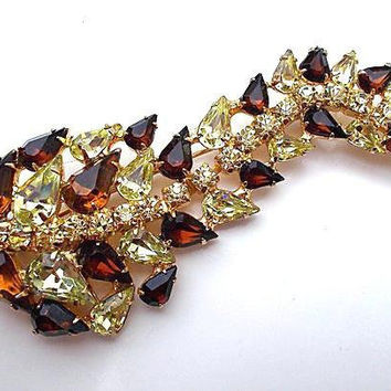 Rhinestone Root Beer & Yellow Long Brooch, Floral Gold Plated, 3.75 Inches, Vintage