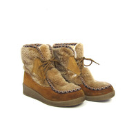 60s Faux Fur & Leather Snow Boots Warm Boho Eskimo Boots Lace Up Muk Luk Moccasin Toe Boots Sherpa Lined Hippie Furry Boots Vintage Womens