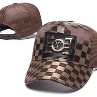 LV LOUIS VUITTON Embroidered Embroidered Outdoor Baseball Cap Hat