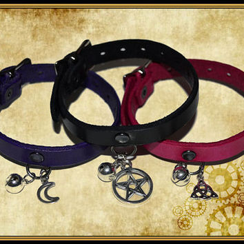 Cat magic Pentagram triskel triquetra grelot dyed genuine leather collar