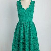 Look on the Bridesmaid Side Dress in Emerald