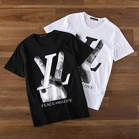 LV Louis Vuitton 2019 new victory gesture V letter printed round neck T-shirt top