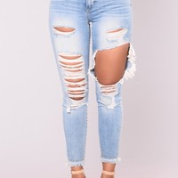 Not Here To Play Jeans - Light Wash