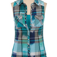 2 pocket sleeveless plaid shirt