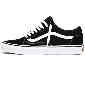 Old Skool Women's Sneakers Black / White