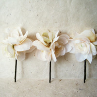 Ivory Silk Flower Hair Pin. Peach, Sage and Cream Floral Bouquet Hair Clip for Brides, Bridesmaids, Flower Girls. Fabric Flower Hair Pin.