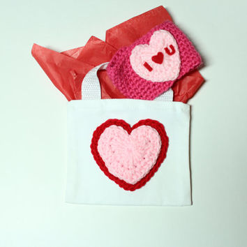 Valentines Gift Bag, Valentine Party Favor Bag, Heart Treat Bag, Candy Bag, Reuseable Gift Wrap