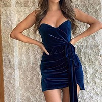 A new style of shoulder-length golden velvet sexy chest-wrapped dress