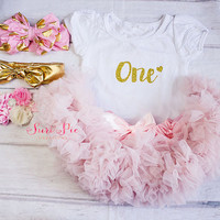 Baby Girl Birthday Clothing..Cake Smash Outfit..Girl Skirt and Top Set..Baby's 1st Birthday Outfit..Photography Prop..Baby Gift..Petti Skirt