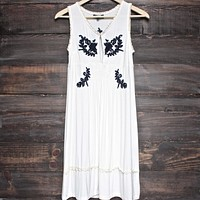 Final Sale - POL BASIC - Acid Wash Floral Embroidery Dress - Ivory