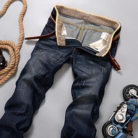 Elasticity Loose Casual Jeans