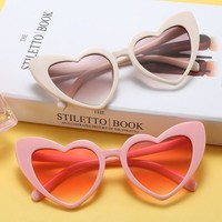 2018 Heart Cat Eye Sunglasses Women Brand Designer Lolita Cute Sun Glasses Ladies Elegant Sexy Eyeglasses for Female n127