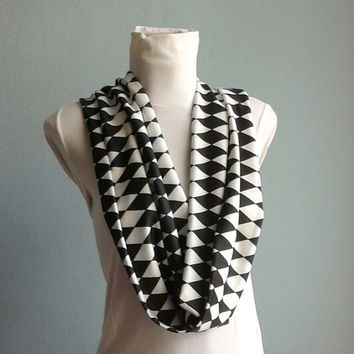 Infinity Scarf, Loop Scarf, Circle Scarf, Checkered Scarf in Black White