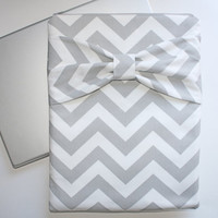 MacBook Pro, MacBook Air Zipper Case / Sleeve - Gray & White Chevron with Bow - Double Padded