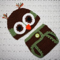 Infant Photo Prop Owl Hat and Diaper cover set. Green and Brown