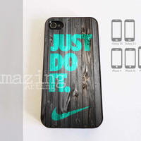 NIKE Just Do It Wood - Case Cover For iPhone 4/4s Or iPhone 5 - Samsung Galaxy S3 Or Samsung S4 - Black Or White (Option)