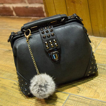 Female Casual Crossbody Bag Women Messenger Bags Chic Handbag Womens Fashion Retro Leather Shoulder Bag with Fur Tail +Necklace