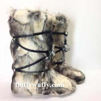 Nordic Style – Silver Wolf Fluffy Wuffy boots