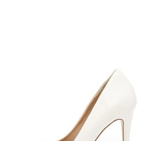 Sole Mate White Pointed Pumps