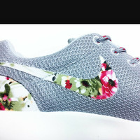 Grey Floral Nike Roshe Run