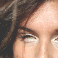 Easy Beauty Trick: How To Brighten Your Eyes - Free People Blog