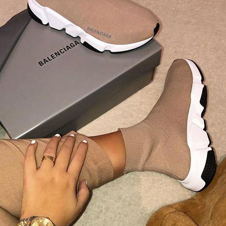Image of Balenciaga hot-selling socks and shoes fashion men and women socks and boots shoes
