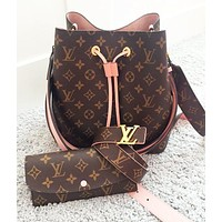 LV sells fashionable women's printed bucket bag + purse + belt