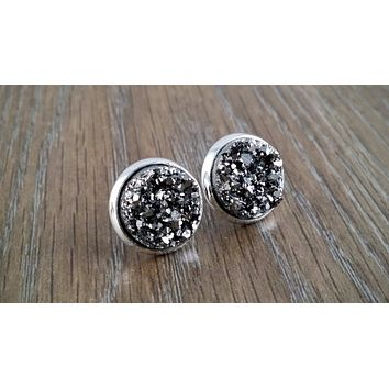 Druzy earrings- Gunmetal silver tone stud druzy earrings