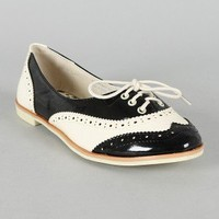 Bumper Eugenia-02 Patent Two Tone Lace Up Perforated Oxford