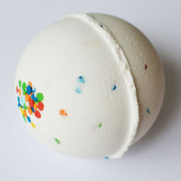 Birthday Cake Bath Bomb, Birthday Bath Bomb, Funfetti, Cruelty Free