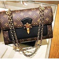 Louis Vuitton Classic Simple Wild Chain Bag Shoulder Bag Messenger Bag Black