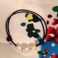 Adjustable Leather and Freshwater Pearls Bracelet