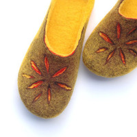 Sunny Felted Slippers by jurgaZa on Etsy