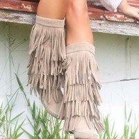 SZ 10 On The Fringe Beige Tall Flat Boots