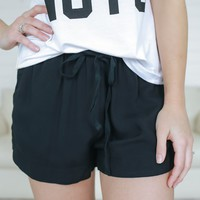 Off the Road Shorts - Black