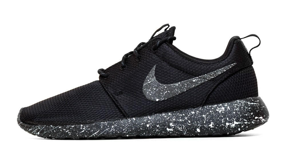 Logro Interminable tal vez  Nike Roshe One - Triple Black + Pearl from Glitter Kicks | Shoes