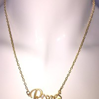 pices gold necklace | michellabella.com