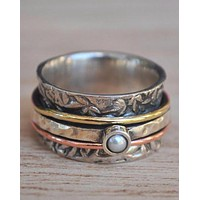 Anabele Meditation Spinner Ring - Sterling Silver - Pearl (BJS015)