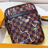 LV Louis Vuitton New fashion tartan leather shoulder bag couple crossbody bag Coffee