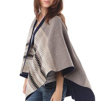 Q2 Beige Geo-Tribal Cape In Knitted Fabric