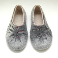 Felted slippers for woman Sand Sun Flowers Traditional felt Women home shoes Grey Black Lilac Rose Violet Traditional felt Christmas gift