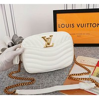 LV Louis Vuitton WOMEN'S LEATHER NEW WAVE INCLINED CHAIN SHOULDER BAG