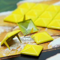 100 PCS X 9mm / 12mm Yellow Square Pyramid Spike Rivets Studs Spot Metal Matte Finish For Diy Phone Case Leathercraft material (SD.Y)