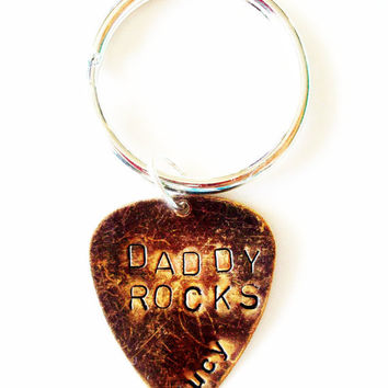 FATHERS DAY GIFTS, GUITAR PICK, KEYCHAIN, DADDY ROCKS