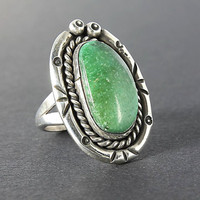 Vintage Southwestern Green Turquoise ring, Navajo sterling silver ring jewelry size 6.5